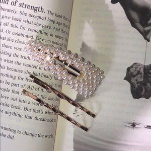 3 piece hair clip set ✨🦋🌙